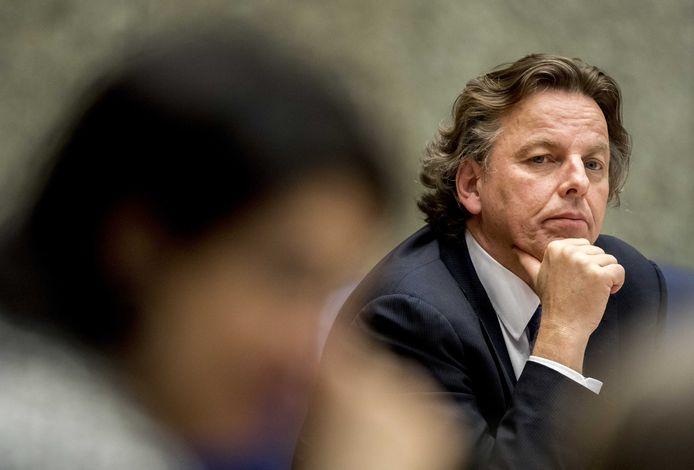 Nederland moet met andere landen samenwerken om cyberaanvallen tegen te gaan.