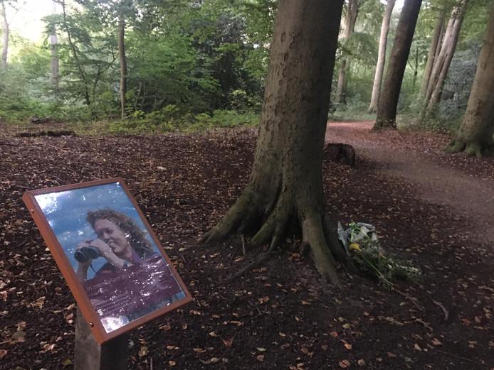 Boswachter Jenny van Leeuwen wordt herdacht in het Haagse Bos
