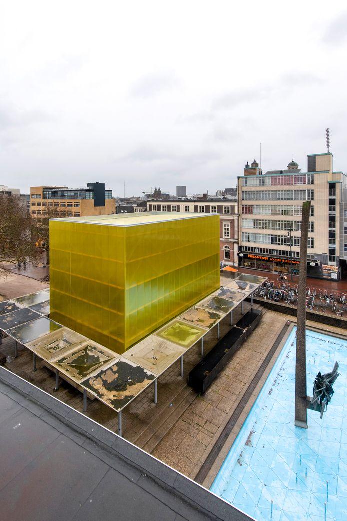 De gele kubus op het Gele Rijdersplein in Arnhem.