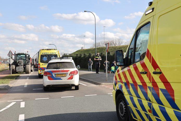 De hulpdiensten zijn massaal aanwezig in Waalwijk.