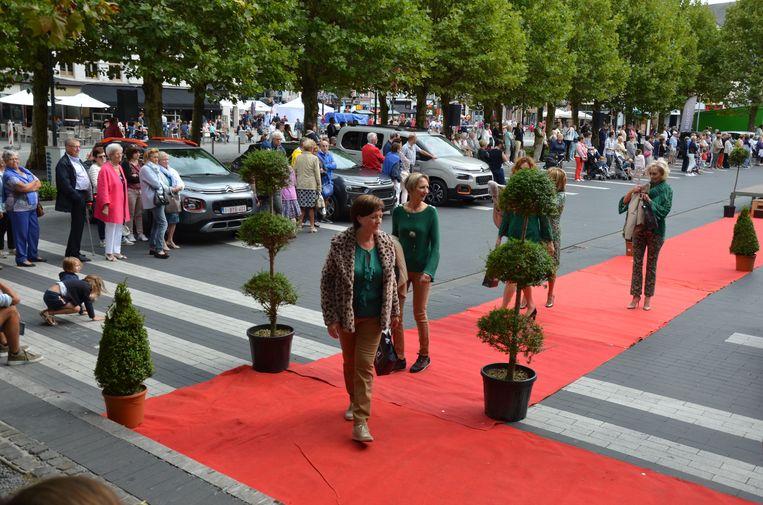 Bij een vorige modeshow in de binnenstad werd de rode loper uitgerold op de Markt.