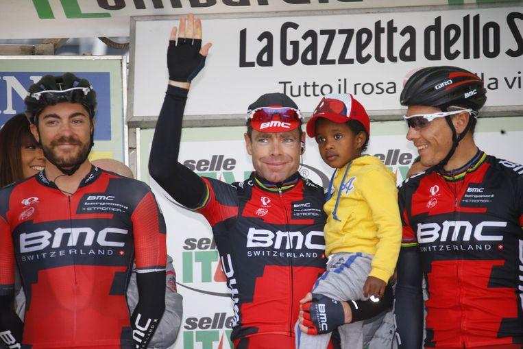De afscheidnemende Cadel Evans, met zoontje Robel, reed zijn laatste Lombardije Beeld PHOTO_NEWS