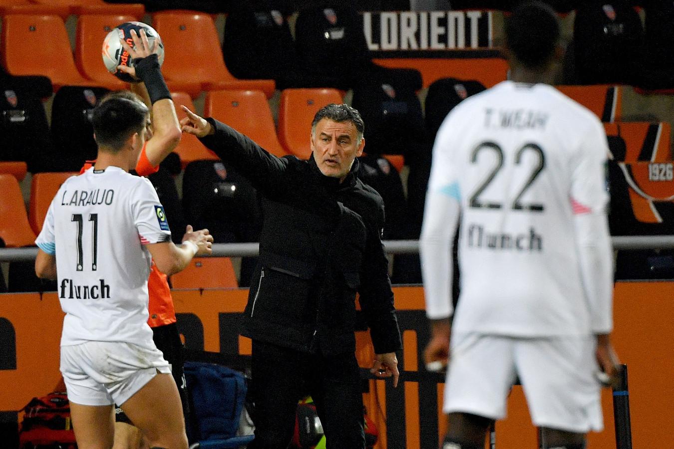 Christophe Galtier gooit het roer om in de return tegen Ajax.