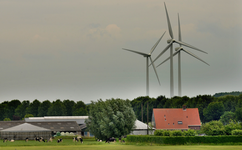 Windmolens in Culemborg. Of er een tweede windpark komt, blijft nog even ongewis.