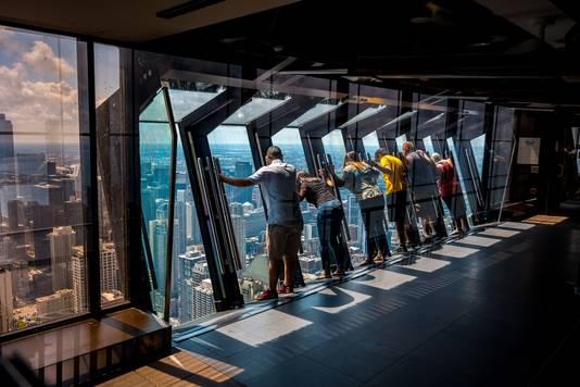 Het spectaculaire 360 Chicago observation deck bovenin de John Hancock Building is al eigendom van M56