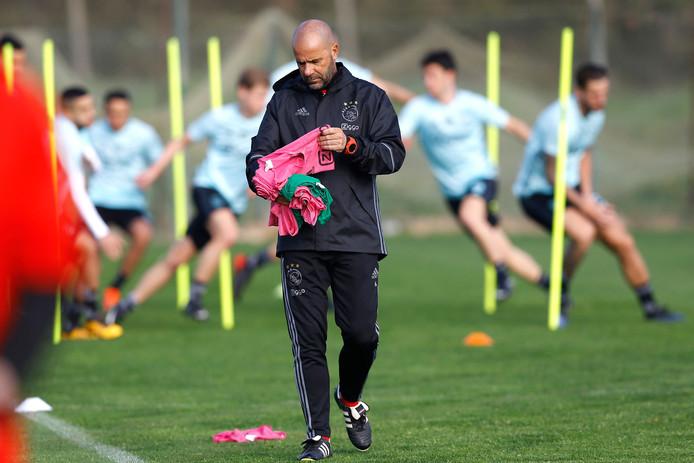 Ajax-trainer Peter Bosz tijdens het trainingskamp in de Algarve, Portugal.