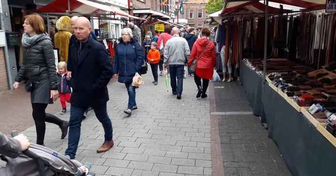 Gezellige drukte op Havenfeesten in Oudenbosch.