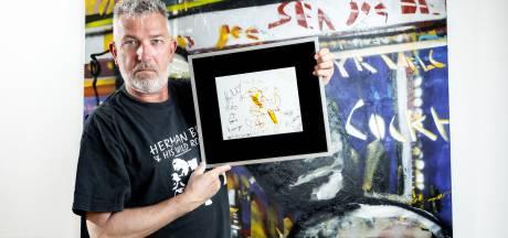 Herman Brood-fans hebben van alles: T-shirts, koektrommels en zelfs een tattoo
