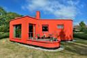 Vooraanzicht van rode huis in deventer
