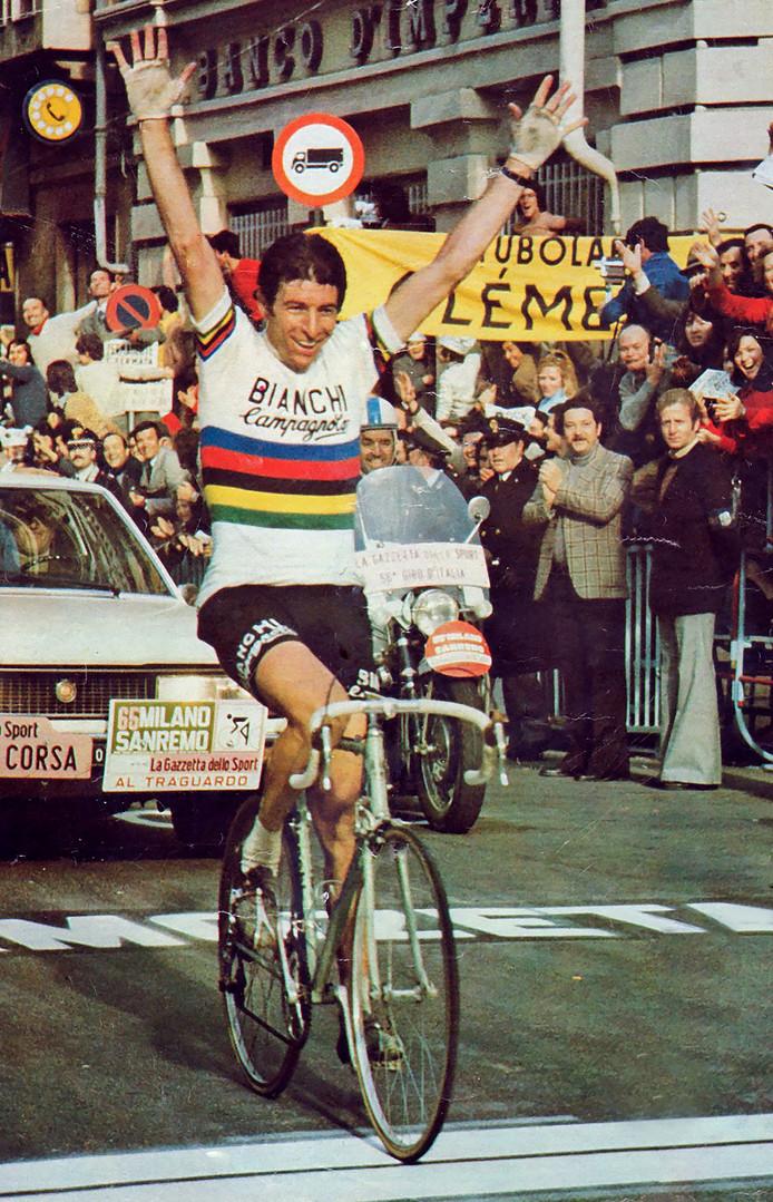Felice Gimondi als winnaar van Milaan-San Remo.