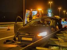 Vijf jongeren (zwaar)gewond bij nachtelijke crash op A50 bij Apeldoorn