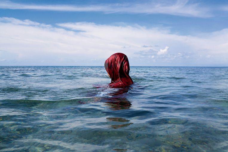 Diana in de zee.  Beeld Isabelle Boon