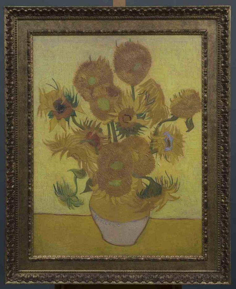 Vincent van Goghs Zonnebloemen (1889) Beeld reuters