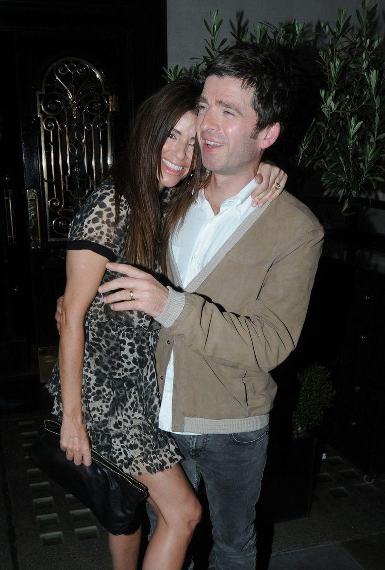 Noel Gallagher en zijn vrouw Sara Macdonald. Beeld bruno