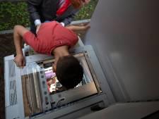 Nieuwe bewoners Arie Willemshof in Helmond uit de tent gelokt met pletfoto op kopieermachine