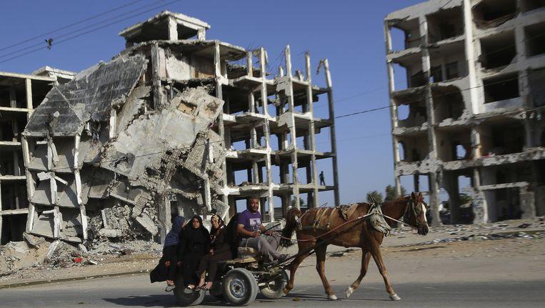 Verwoeste gebouwen in het noorden van Gaza na de oorlog van vorige zomer. (Archieffoto)