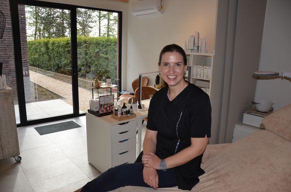 Leen Pacquée heet zaterdag 27 april iedereen welkom tijdens de opendeurdag van haar schoonheidssalon 'Wellnesst'.