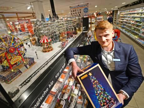 Enschedese supermarktbaas Tim brengt Amerikaanse kerstdorpjes naar de klanten, maar er is één probleem: de container staat muurvast in Rotterdam
