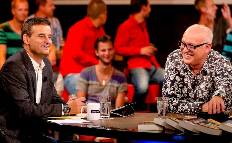 Wilfred Genee en René van der Gijp tijdens een uitzending van Voetbal Inside. Beeld anp