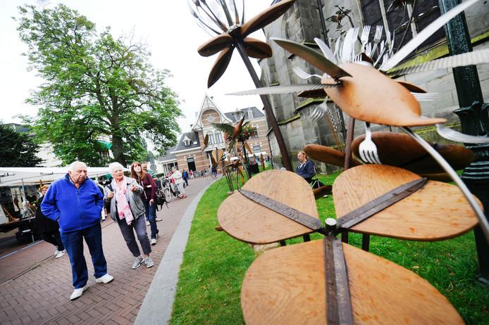 De jaarlijkse kunstmarkt was een van de activiteiten die de laatste vijf jaar onder de vlag van de Stichting Centrummanagement Haaksbergen op touw zijn gezet.