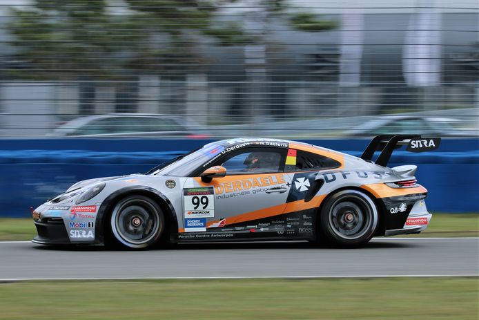 De Porsche van Dylan Derdaele, Marc Goossens, Kenneth Heyer en Nicolas Saelens, ofwel 14 zeges in de 24 uur van Zolder in één wagen.