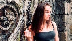 Zwemster (16) dumpt vriendje omdat ze olympische droom wil nastreven. Maar die vermoordt haar
