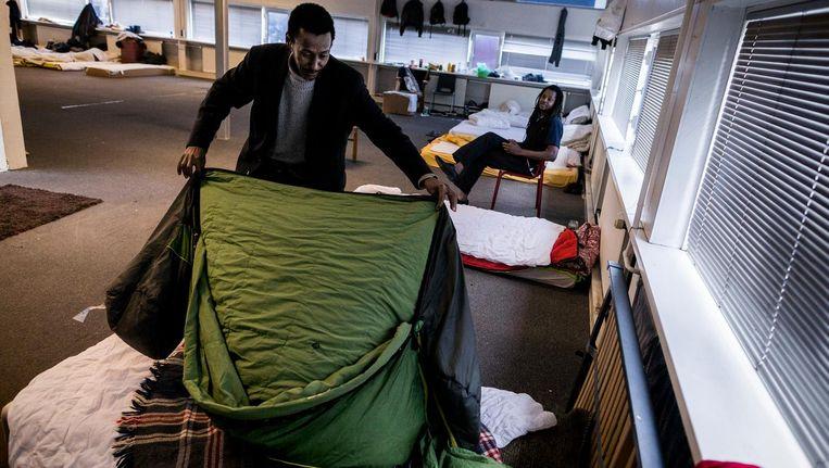 Begin november betrok een deel van de groep asielzoekers een pand aan het Zeeburgerpad Beeld Rink Hof