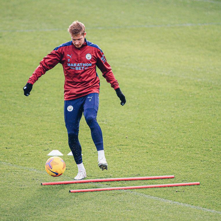 Kevin De Bruyne weer op training bij Manchester City. Beeld Manchester City