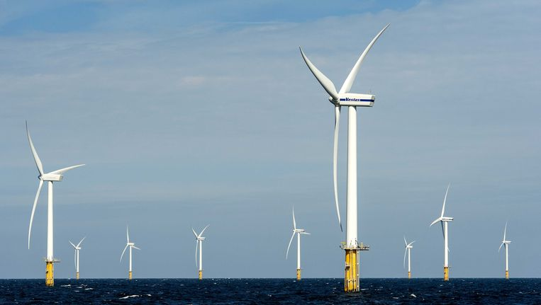 Het Prinses Amalia Windpark in de Noordzee. Beeld ANP