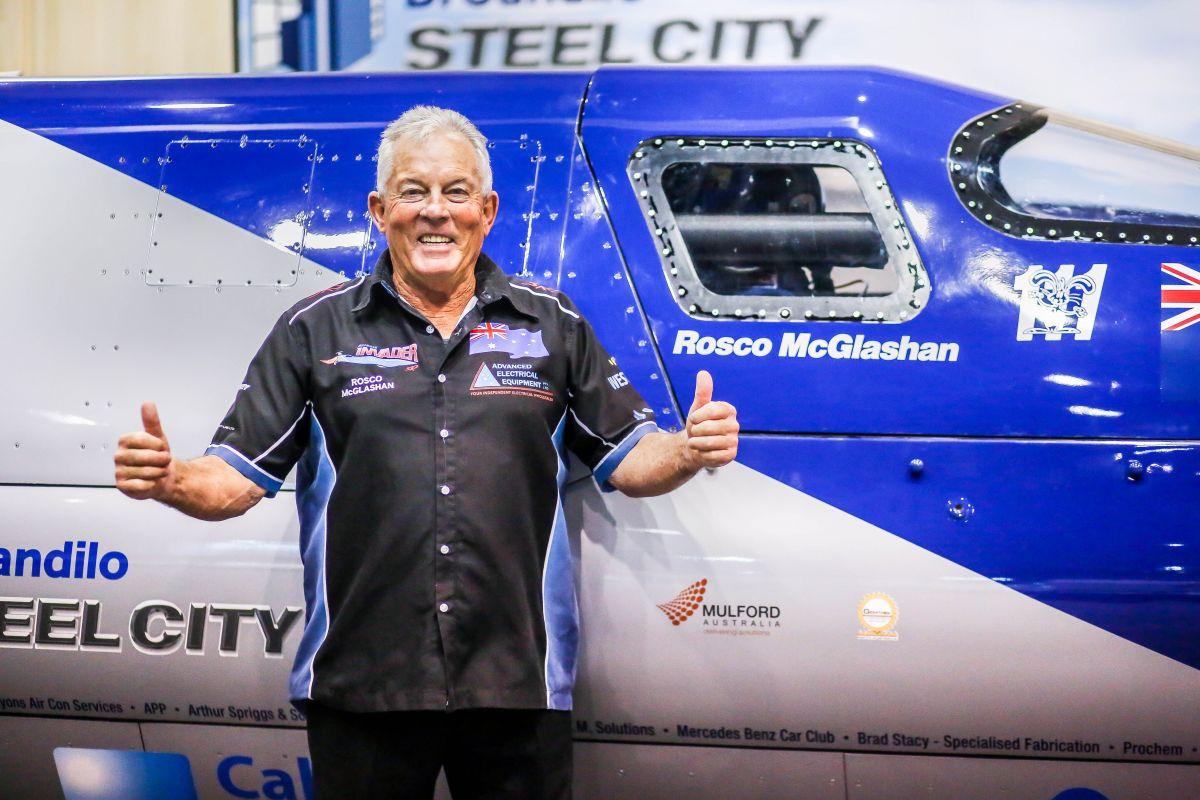 De Australische coureur Rosco McGlashan leidt het projectteam van de Aussie Invader.