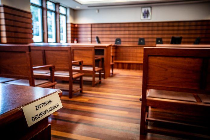De vrouw getuigde voor de strafrechtbank in Tongeren dat ze niet meer wist wat er die dag precies gebeurde.