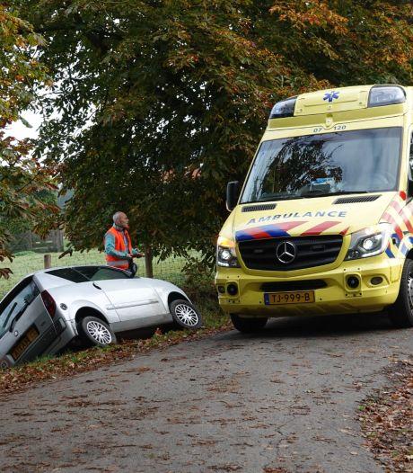 Vrouw gewond na ongeval Kootwijkerbroek