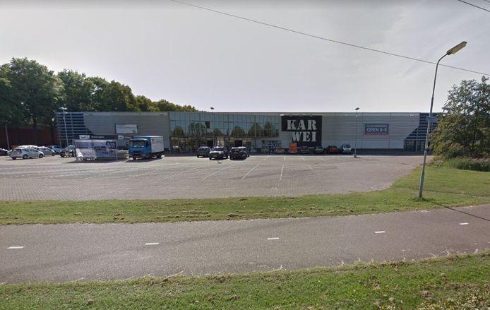 De huidige Karwei bouwmarkt aan de Grote Elst.