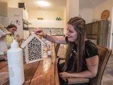 Ons Buitenhuis in Maasdijk houdt vintagemarkt op Burendag om lening af te betalen: 'We hopen dat er veel mensen komen'