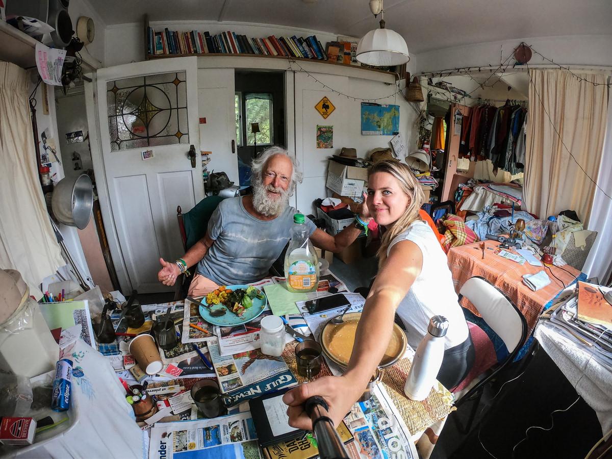 Marleen Hoftijzer logeert bij een oude man in Nieuw-Zeeland