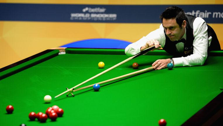 Titelverdediger Ronnie O'Sullivan komt na een sabbatperiode scherp uit de hoek op het WK snooker in Sheffield. Beeld GETTY