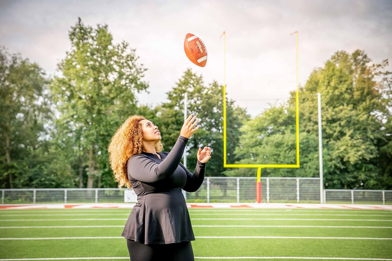 Kanessa Muluneh, oprichter van de Queens Football League, hoopt zo snel mogelijk een team op te zetten in Zwolle. In navolging van Amsterdam, Rotterdam, Almere, Leiden en Utrecht moet Zwolle de zesde stad met een American Football damesteam worden.