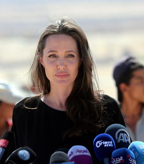 Angelina Jolie praat over scheiding: we vormen nog steeds een gezin