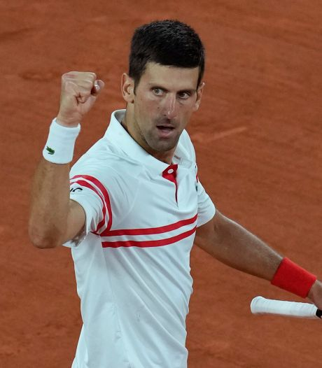 Un Djokovic monumental efface Nadal et file en finale