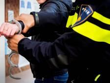 Jongeren na achtervolging aangehouden voor diefstal uit parfumerie in Velp