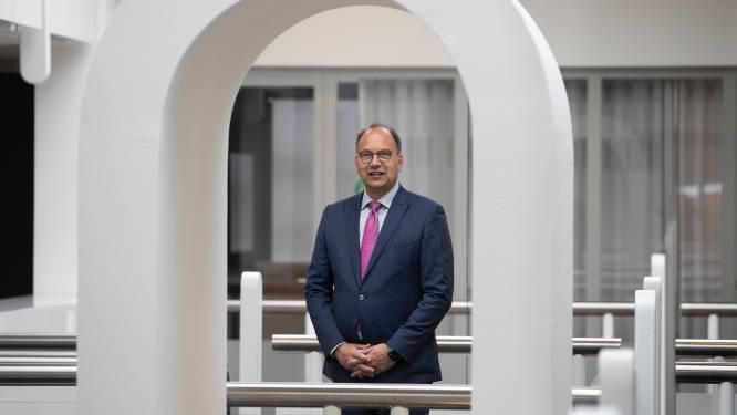 Burgemeester De Baat van Montferland zit ziek thuis: 'Valt me niet makkelijk'
