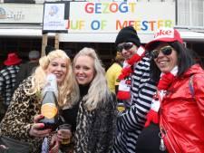 Carnavalsvierders trotseren wind en regen voor het feest van het jaar, maar de grote wagens blijven binnen