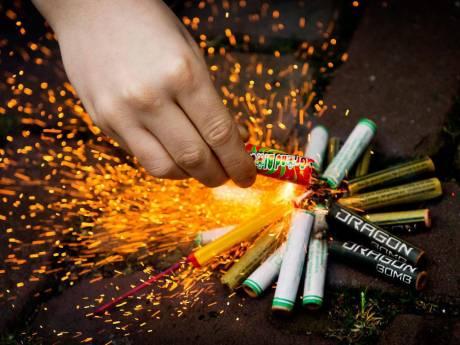 Bang dat je straks geen rotjes en vuurpijlen meer af mag steken? Vraag een vuurwerkblije zone aan!