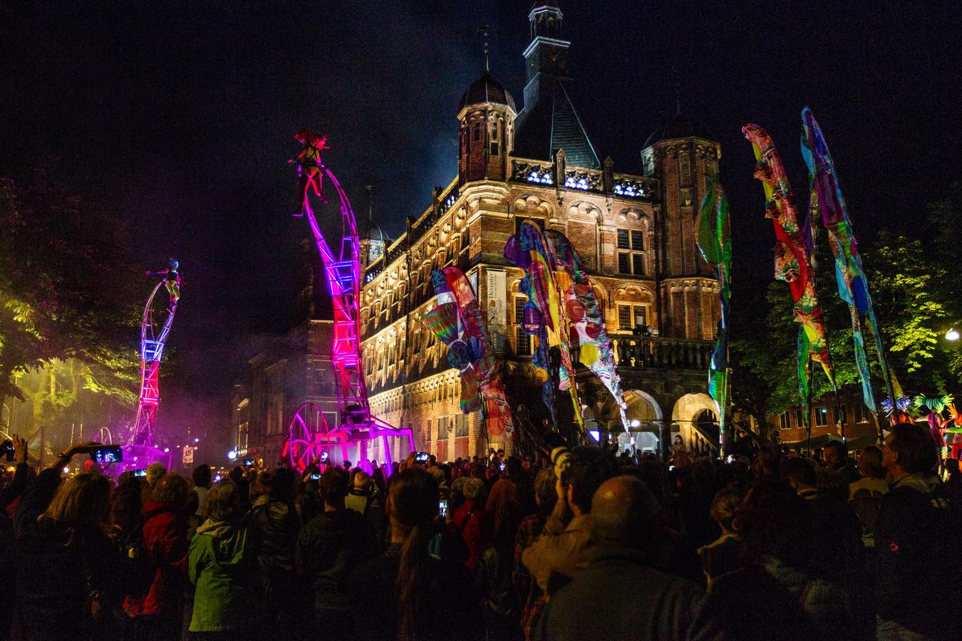 Dat waren nog eens tijden: Deventer op Stelten in 2019, vóór corona de wereld compleet lam legde.