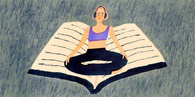 Elke werkdag mediteert Floor Pieters na het opstaan. Daarna doet ze aan yoga en schrijft ze haar persoonlijke en werkgerelateerde doelen op voor de dag. Beeld Anna Boulogne