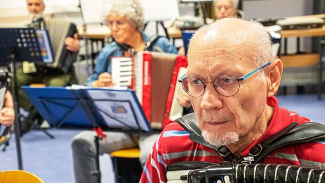 Frans was er vijftig jaar geleden bij in café De Lindeboom: 'Toen is Les Musiciens Joyeux geboren'