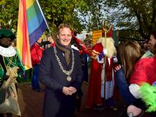 Nieuwe burgemeester Gouda verwelkomt Sinterklaas