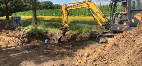 Lekkende waterleiding zorgt voor wegafsluiting in Vessem