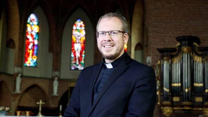 Jochem van Velthoven geïnstalleerd als nieuwe pastoor van Oosterhout