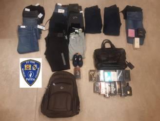 """Politie arresteert vijftal na het plegen van winkeldiefstallen: """"Sommigen hadden zelfs vier broeken over elkaar aan"""""""